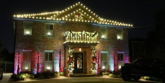 Residential Holiday Light Decorations